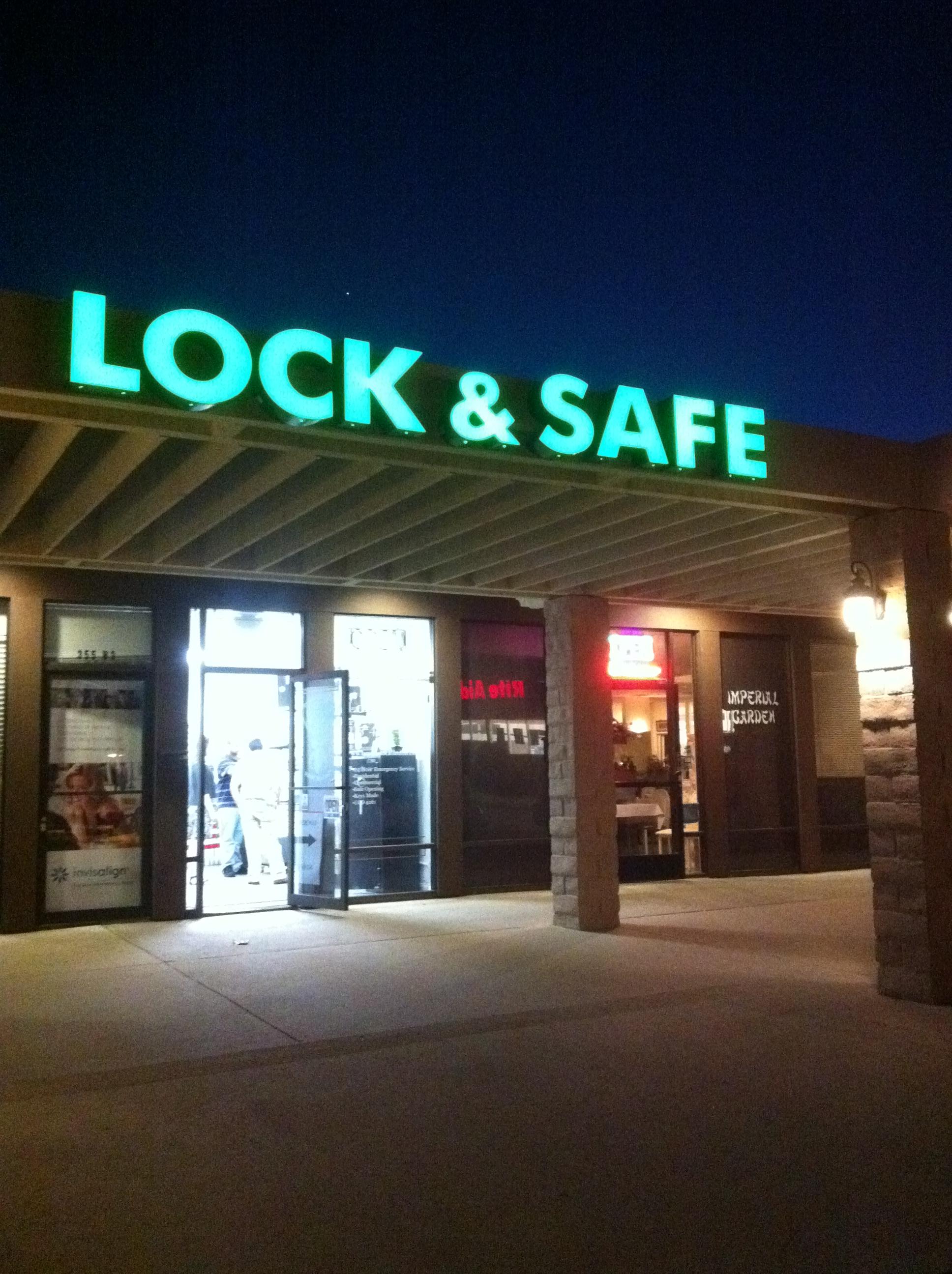 lock safe and key shop brucar locksmith. Black Bedroom Furniture Sets. Home Design Ideas